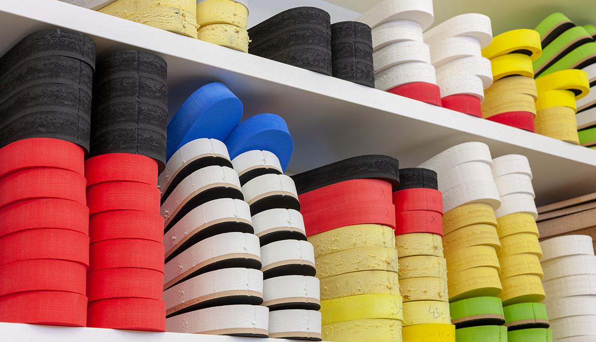 Eine vielfältige Auswahl an Einlagen in unterschiedlichen Farben und Größen
