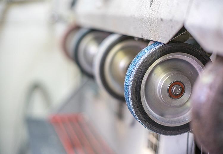 Eine Maschine für die Bearbeitung von Schuhen